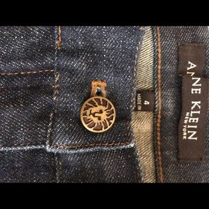 Never worn Anne Klein Jeans